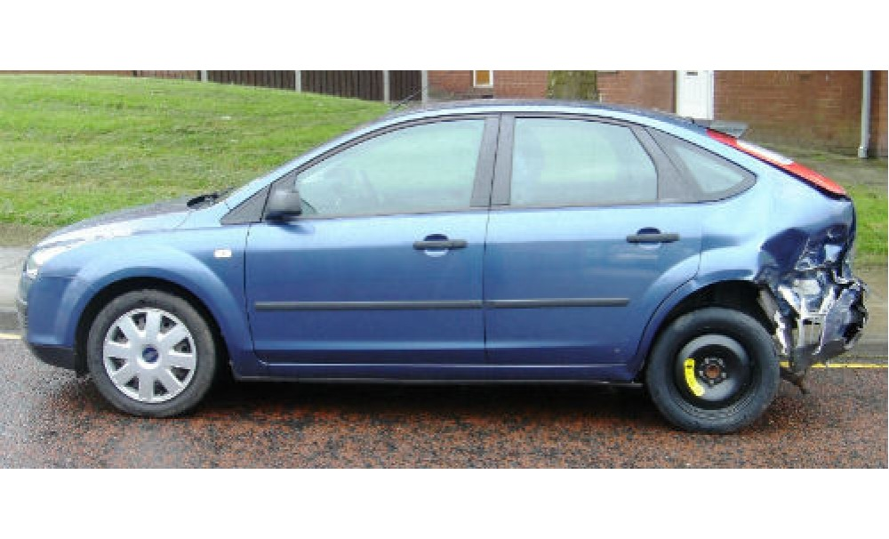 2005 55 Ford Focus 1 6 Zetec Damaged Repairable